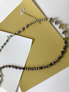 Beaded and pearl neckklace.