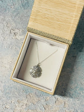 Load image into Gallery viewer, Sanddollar Layering Necklace