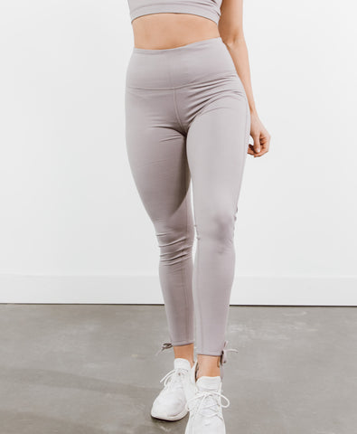 Capri Signature Legging