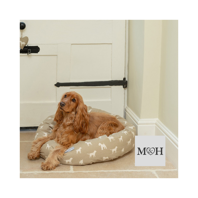 mutts-&-hounds-dog-beds,-coats-&-accessories