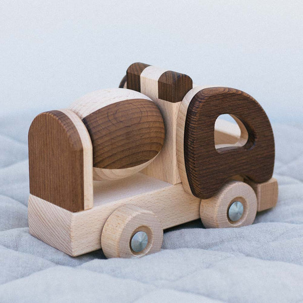 Warren Hill Goki Nature Cement Mixer Wooden Toys