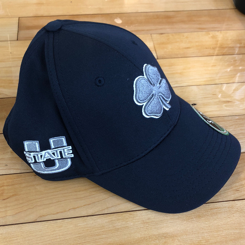 USU Black clover hat Premium Navy flexfit - Utah Sports Collective