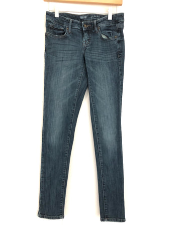"Mossimo Low Rise Skinny Jean- Size 2 (Inseam 30"")"