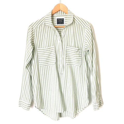 Abercrombie & Fitch Green/White Striped Half Button Down with Front Pockets- Size S