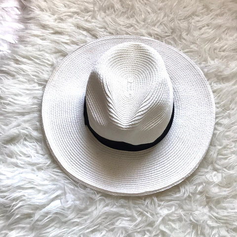 Target White Brimmed with Black Bow Detail Hat