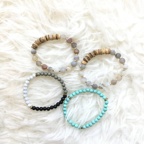 No Brand Set of Four Wood and Beaded Bracelets