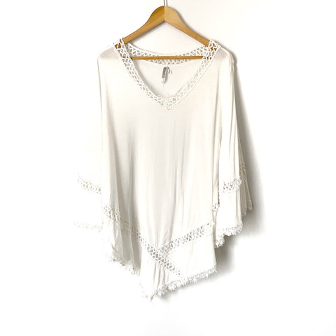 Monoreno White Crochet Poncho Style Top- Size L (see notes)