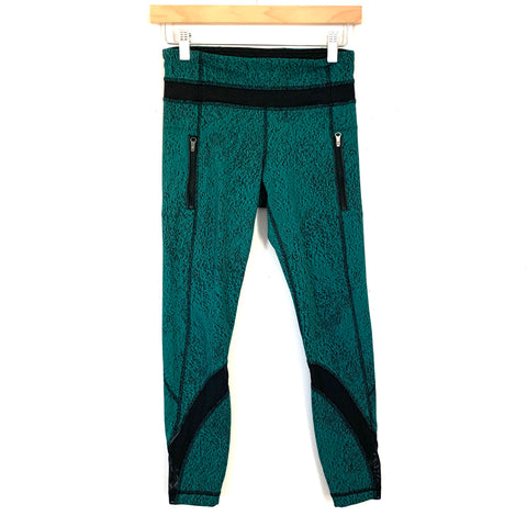 "Lululemon Green/Black Speckled Crop Legging with Zippers- Size 4 (Inseam 24"")"