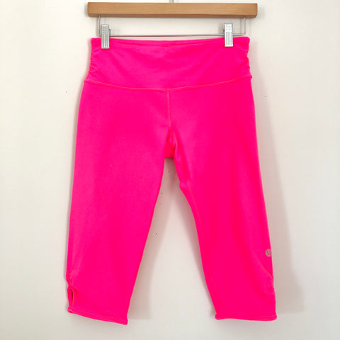 "Lululemon Hot Pink Super Crop with Ruching - Size 6 (15"" Inseam)"