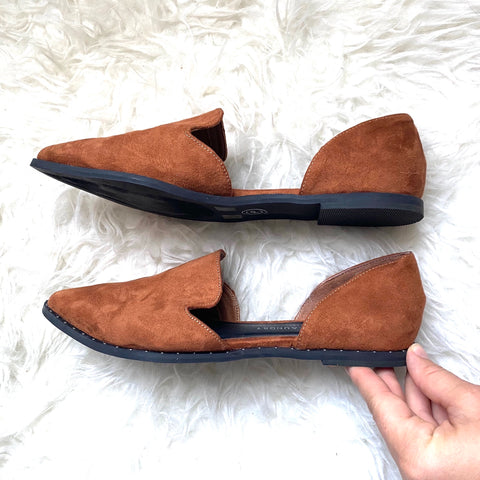 Chinese Laundry Suede Brown Flats- Size 8.5 (LIKE NEW)