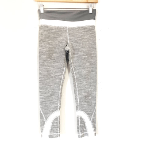 "Lululemon Grey and White Striped Crop Legging- Size 4 (Inseam 21"")"
