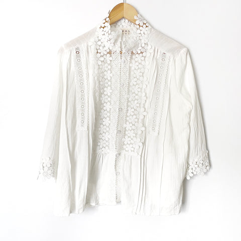 POL White Lace/Crochet Detail 3/4 Sleeve Top- Size S