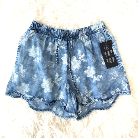Billy T Flora Chambray Shorts with Scallop Hem NWT- Size XS