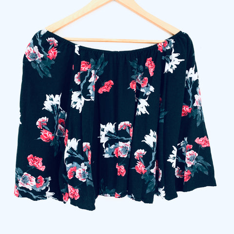 BB Dakota Black Floral Off the Shoulder Top- Size XS