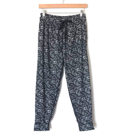 "Lululemon Drawstring Cuffed Pants- Size 2 (Inseam 22.5"")"