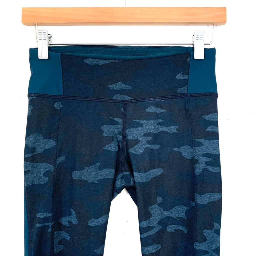 Lululemon Blue Camo Crop Legging Size 4 Inseam 15 The Saved Collection