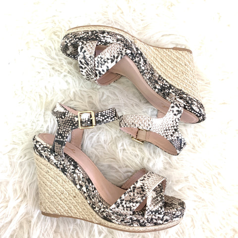 Qupid Snakeskin Espadrille Wedge with Ankle Strap NWOT- Size 8.5