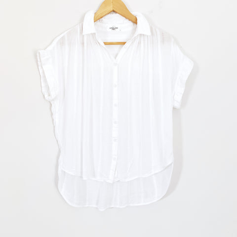 Carly Jean White Short Sleeve Button Up with Stripe Texture- Size S