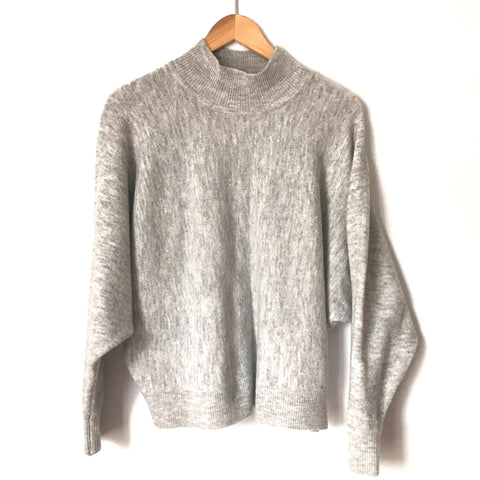 H&M Grey Sweater-Size M