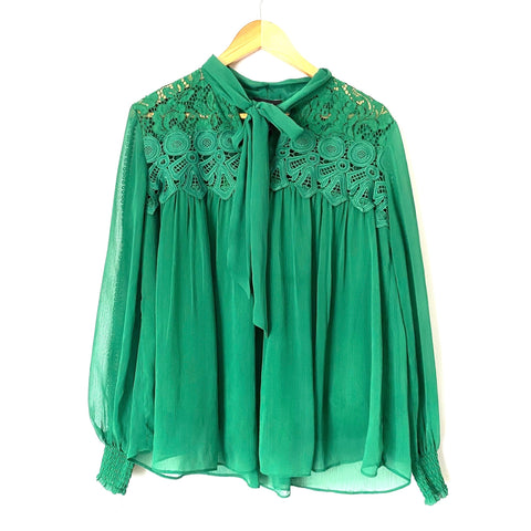 "Vici Green ""Plaza Lace"" Tie Collar Top- Size L (see notes)"