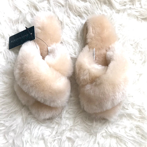 EMU Australia Genuine Sheep Fur Cream Slippers NWT- Size 6