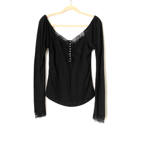 Wishlist Black Ribbed Lace Long Sleeve Top- Size M