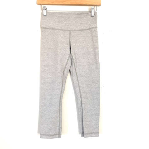 "Lululemon Light Heathered Grey Crop Legging- Size 4 (Inseam 21"")"