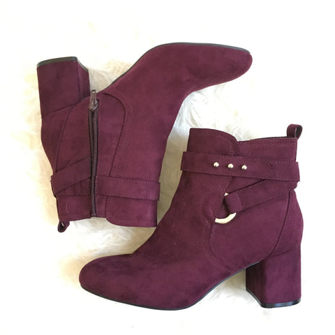 Kelly & Katie Block Heel Buckle Booties- Size 10