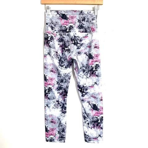 "Lululemon Grey, White, and Pink Rose Patterned Leggings- Size ~4 (Inseam 21"")"