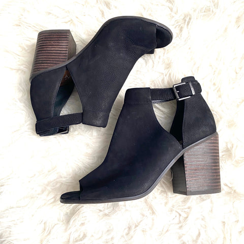 Arturo Chiang Black Peep Toe Strap Block Heels- Size 9 (see notes)