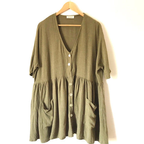 Vestique Green Button Oversized Dress with Pockets- Size S (see notes)