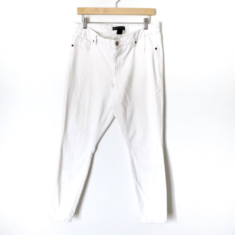 "Fashion to Figure White Skinny Jeans- Size 12 (Inseam 28 1/2"" see notes)"