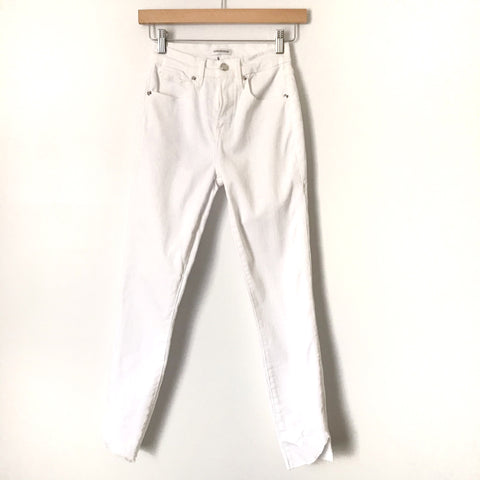 "Good American White Skinny Raw Hem Jeans- Size 2/26 (Inseam 26 1/2"")"
