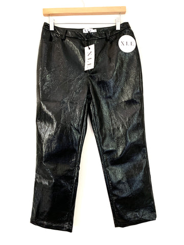 "XLE The Label Black Lauren Cropped Pants NWT- Size M (Inseam 23.5"")"