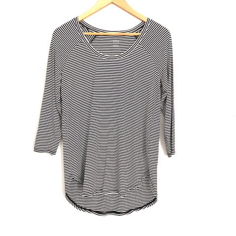 A.n.a Striped 3/4 Scoop Neck Blouse- Size XS