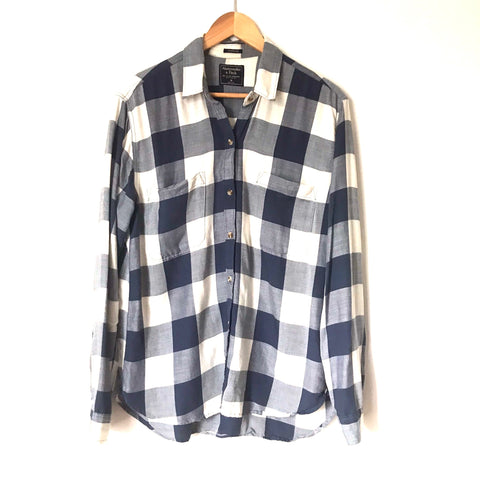 "Abercrombie&Fitch Navy/White Plaid Button Up ""Boyfriend"" Top-Size M"