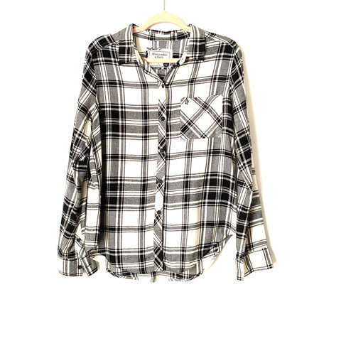 Abercrombie & Fitch Black/White Plaid Button Down Top NWT- Size L