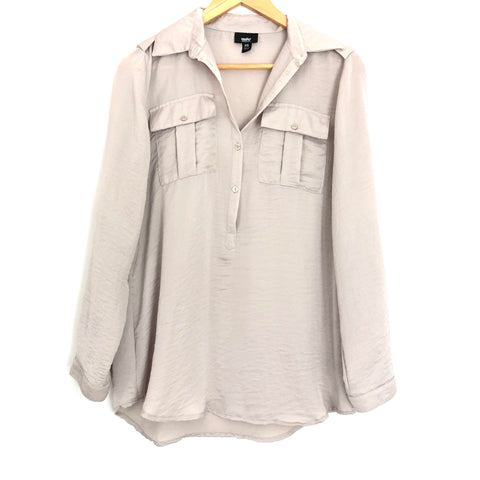 5a5a8b0ff0f520 Mossimo Tan Button Up Polyester Blouse- Size XS