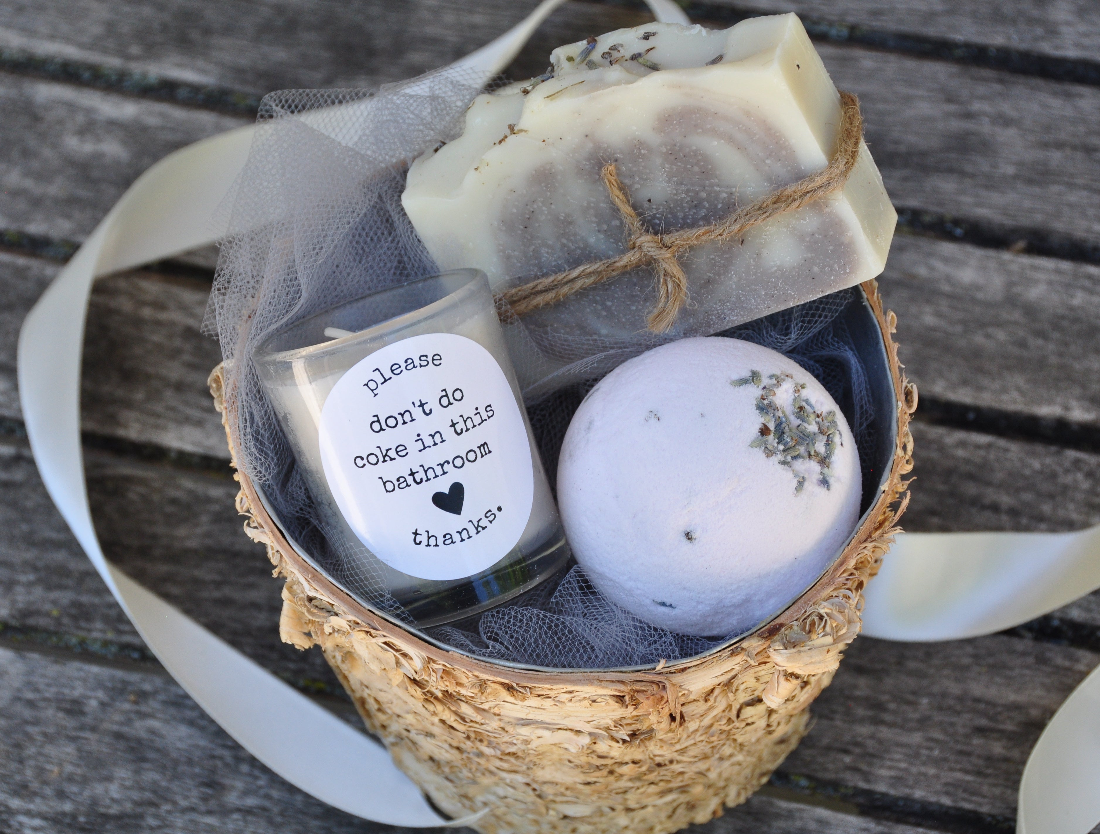 new home housewarming gift what to bring to a housewarming party bath and body gift basket