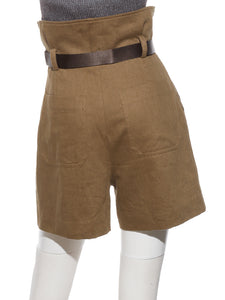 Short Pants With Detailed Belt