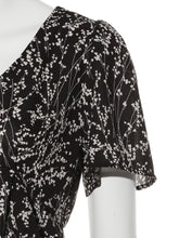 Load image into Gallery viewer, Flower Printed Short Blouse