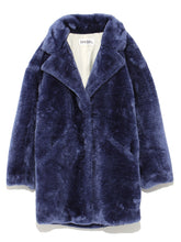 Load image into Gallery viewer, Voluminous Faux Fur Coat (SWFC184004)