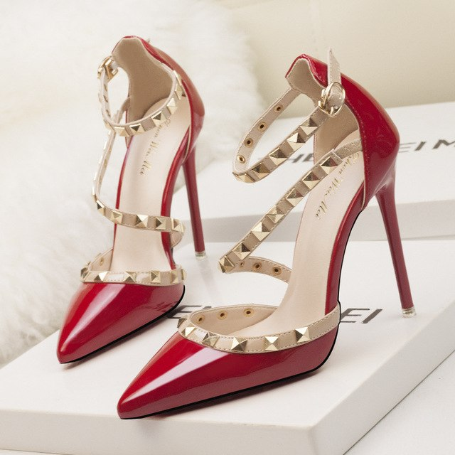 SEXY PUMPS HIGH HEELS WITH POINTED TOE AND RIVETS ANKLE STRAP SHOES