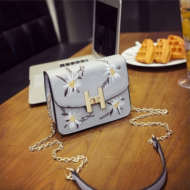 SEXY HANDBAGS EMBROIDERY FLAP RETRO SHOULDER BAG WITH CHAIN