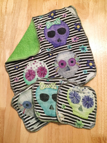 Skull Print Washcloth and Facial Cloth Set - 4 pieces.