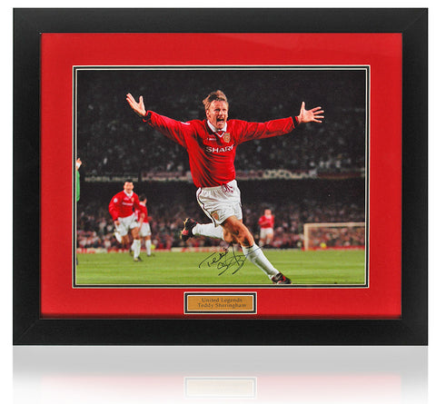 Teddy Sheringham hand signed 16x12'' Manchester United photo