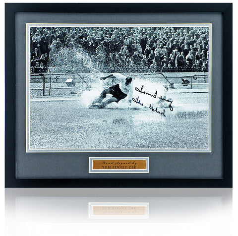 Sir Tom Finney hand signed 16x12'' Preston North End Photograph