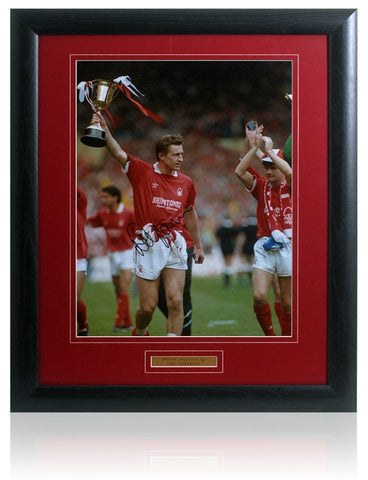 Lee Chapman hand signed 16x12'' Nottingham Forest Photograph