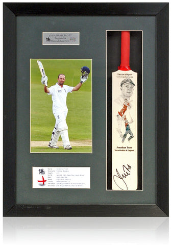 Jonathan Trott England Warwickshire CCC Hand Signed Mini Cricket Bat Photo COA