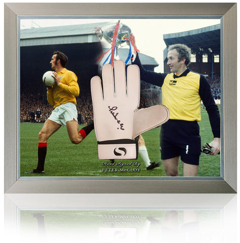 Peter McCloy Rangers 1972 ECWC Hand Signed Goalkeepers Glove Presentation AFTAL COA